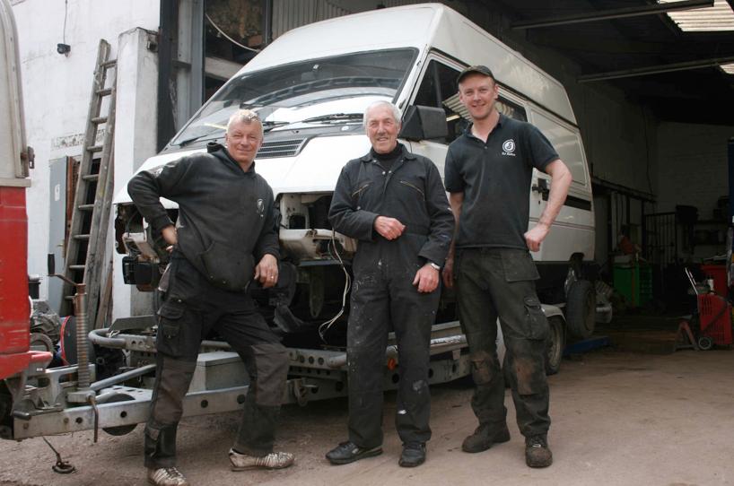 Dismantling team. L to R . Mick Gillet, Rob Perry, Simon Morton. 12.32pm, 7 May 2016