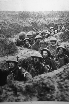 ARCHIVE. British Troops in trenches. Original photo