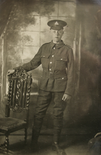 Pte Billy Warren (1897 - 28. Dec 1916)  Severely wounded in November, died 28 December  . Photo. EW,3,Archive,