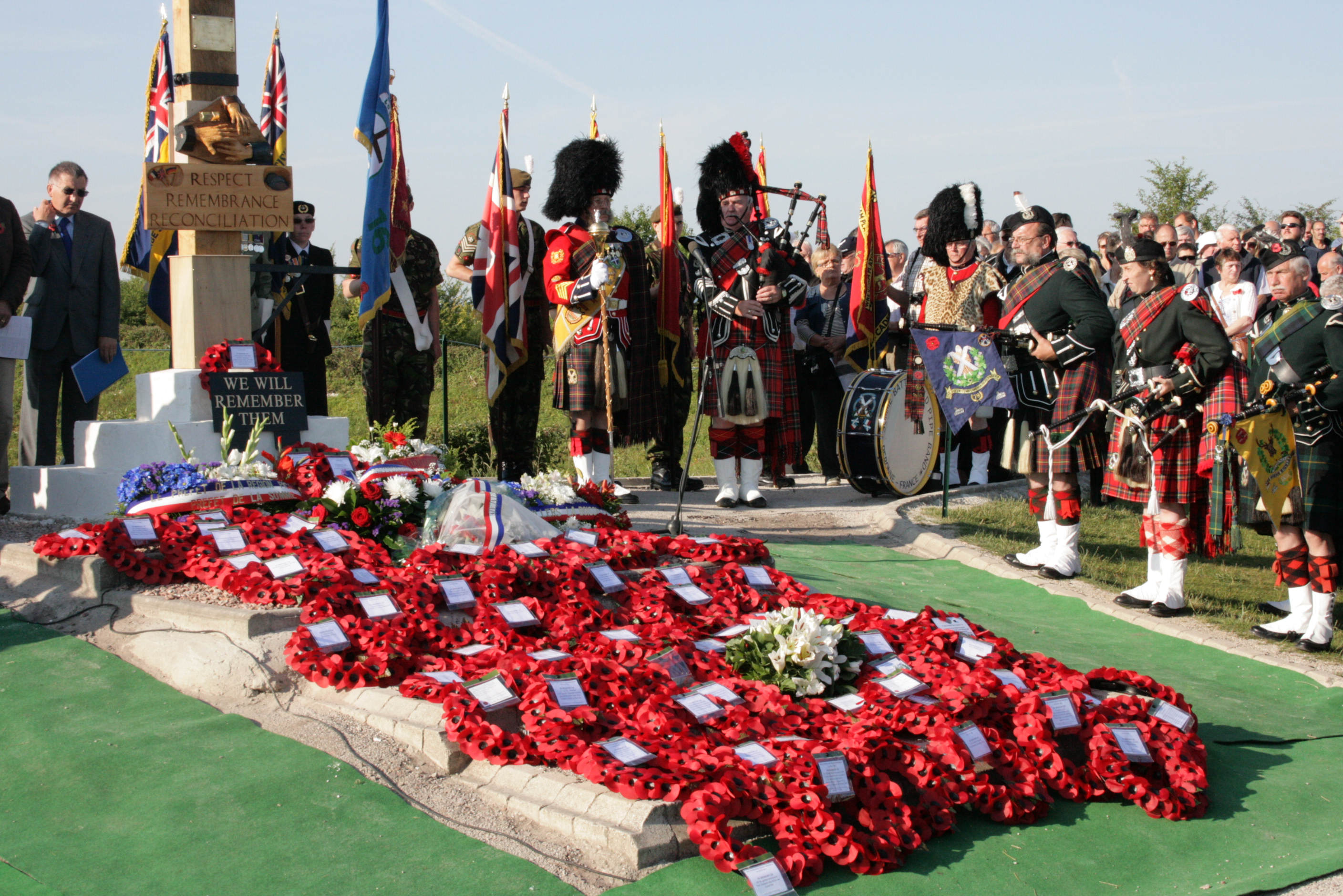 1st July 2011 7.55am. The wreaths are laid.