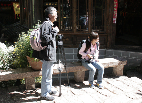 Dr Yan Junqi and Li Na in the Old Quarter, Lijiang. 18 October 2012.