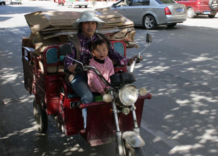 55 CHINA. 25 October 2012. People of Lijiang (3)